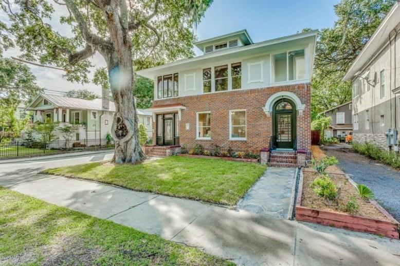 2773 Oak_Art House